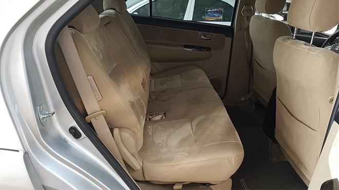 Cách vệ sinh và bảo dưỡng ghế da xe ô tô đúng cách