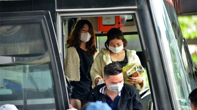 Di chuyển bằng ô tô công cộng có nguy cơ lây nhiễm virut corona không?